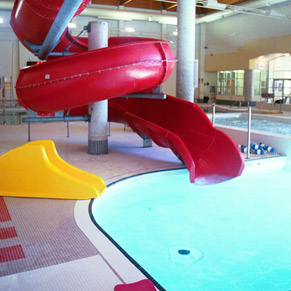 Indoor water slide 04